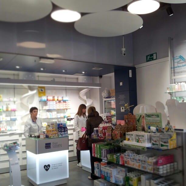 Interior Farmacia Ruiz Golvano
