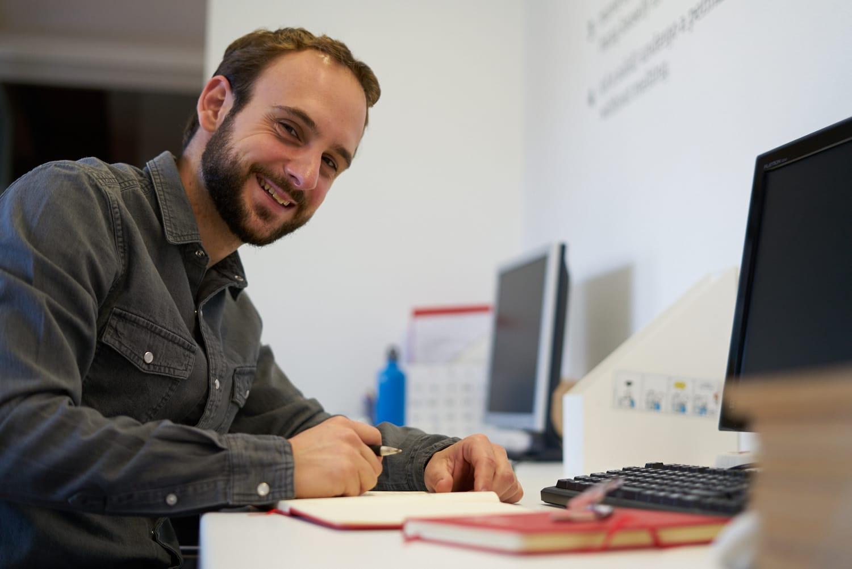 La experiencia de las personas y sus necesidades son la base para todo el diseño posterior: Así es Lander Balza, Project Manager en FLOW